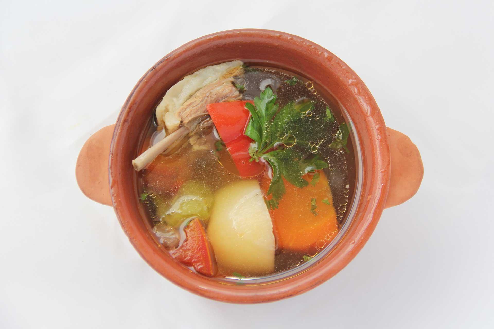 Выберите из самых вкусных деревенский суп с бараниной, вперед на кухню, пора начать готовить по указанным в рецепте инструкциям.