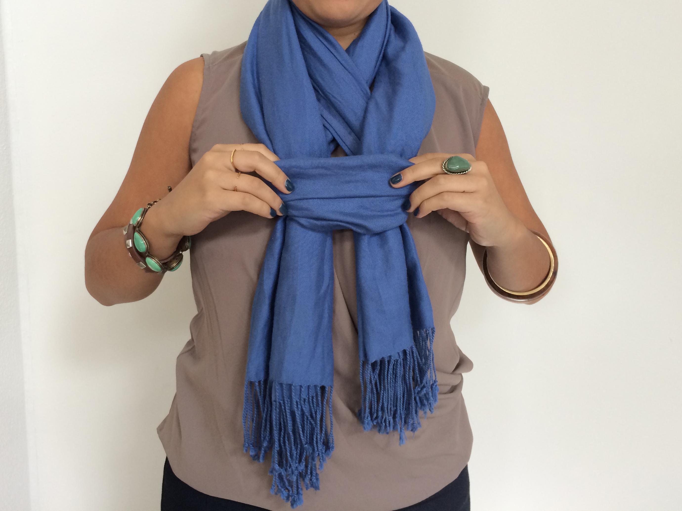 Как украсить шарф бусами фото чистый материал