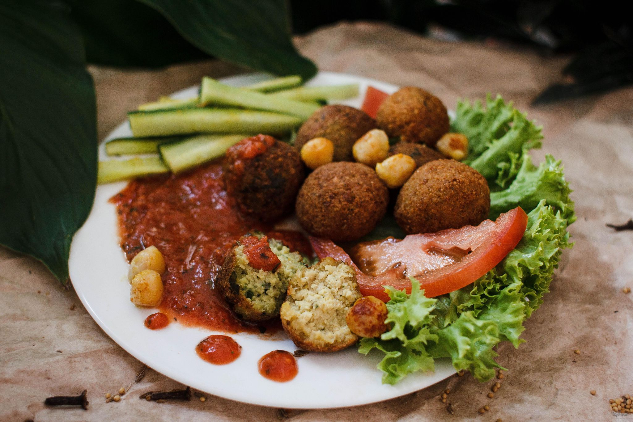 Pictures of falafel balls